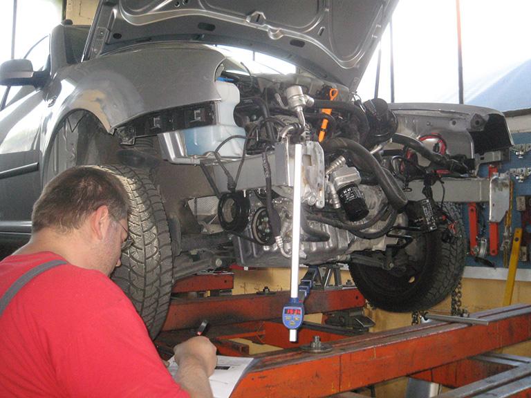 Carrosserie_Sauter_PKW_Reparaturen-023