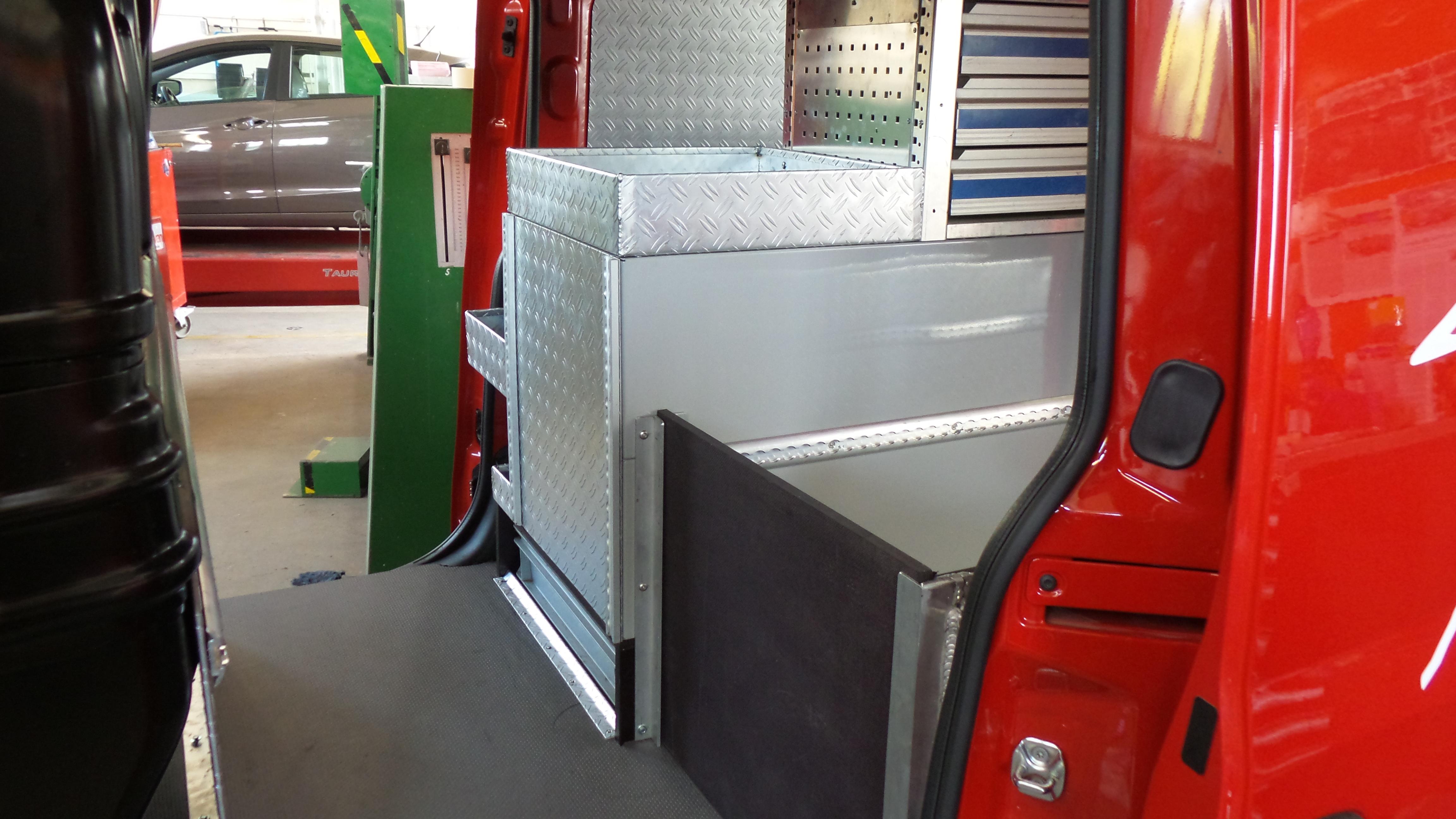 Carrosserie_Sauter_Fahrzeugbau_ Innenausbauten_018